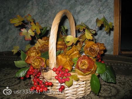 Осенний букет из листьев в садик