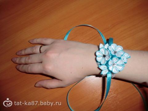 Повязка на руку своими руками из лент