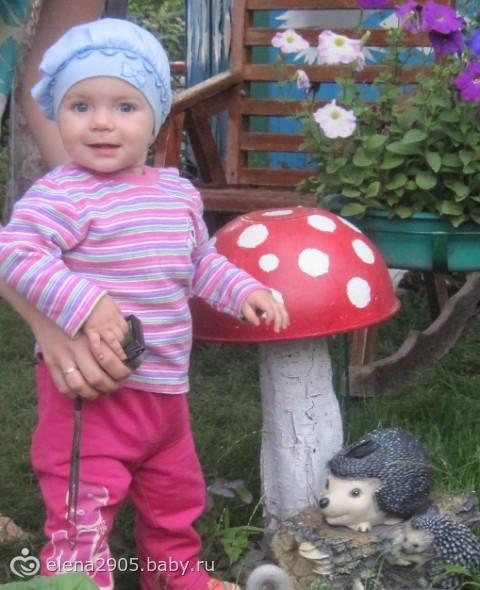 Первый дачный отдых нашей Доченьки))) (фото)