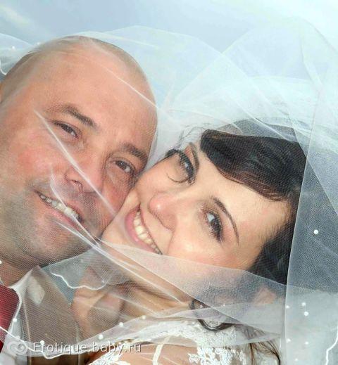 люди редко хотят жениться, чаще люди хотят замуж :D