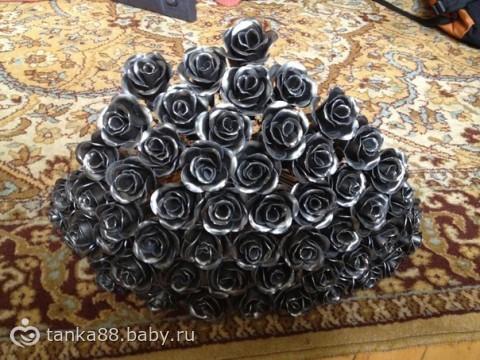 принес муж вот такие розы